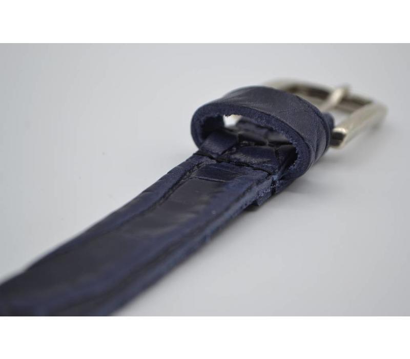 Blauwe 2cm brede krokodillen print damesriem gemaakt van Italiaans nerf leer.