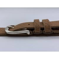 Trendy damesriem gemaakt van splitleer met slangenprint en oud zilveren gesp.