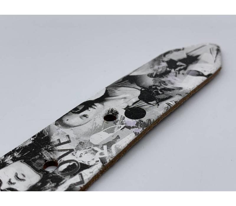30mm brede zwart wit print echt lederen kinderriem. Leuke basisriem en natuurlijk geheel nikkelvrij.