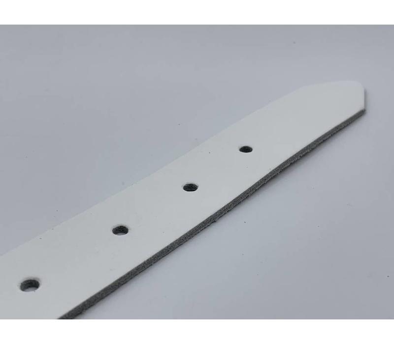 3cm brede witte echt lederen kinderriem. Stoere basisriem met zwarte rol gesp en natuurlijk geheel nikkelvrij.