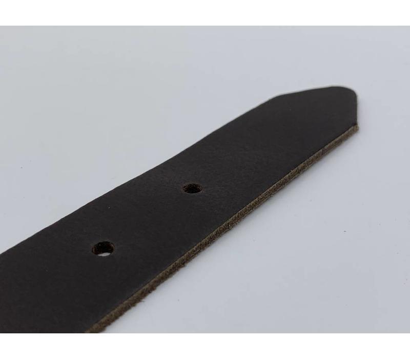 3cm brede bruine echt lederen kinderriem. Stoere basisriem met zwarte rol gesp en natuurlijk geheel nikkelvrij.