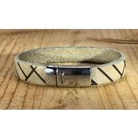 Ecru armband vintage gewassen en gelaserd met leuke print.