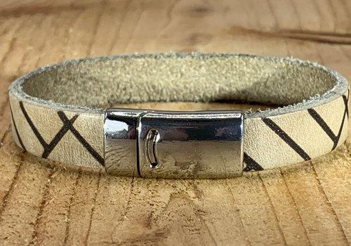 Scotts Bluf Ecru armband vintage gelaserd met brick print.