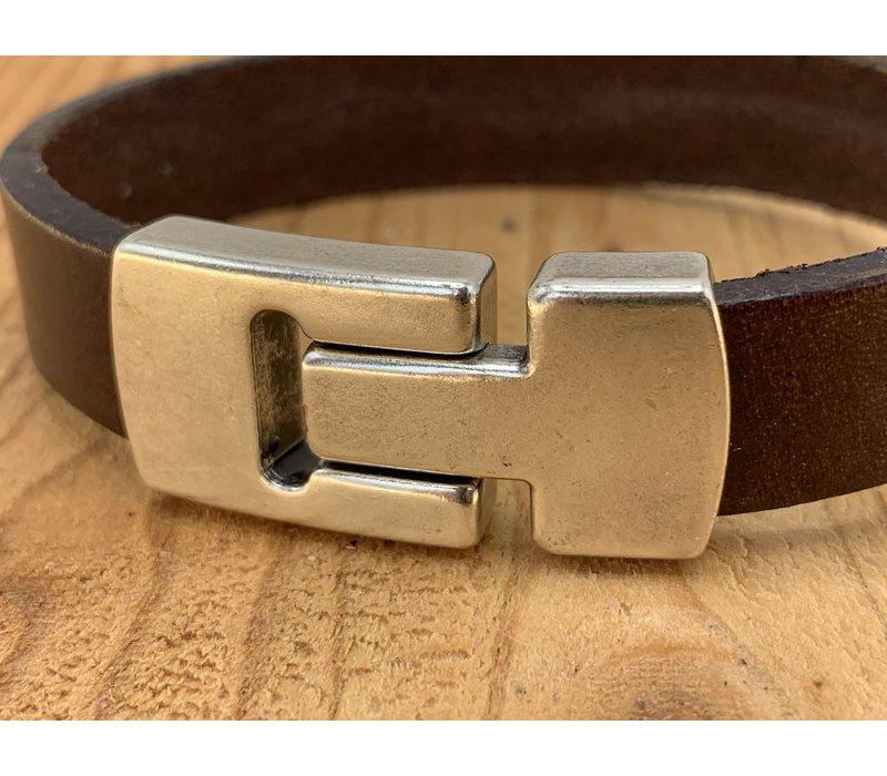 Scotts Bluf armband waarbij bij deze armband extra veel zorg is besteed aan de afwerking. Wax randen en een hoogwaardige sluiting met magneet.