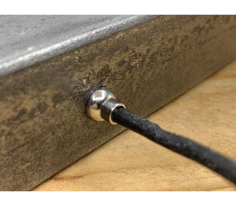 Smalle zwarte armband van 3mm dik rondleer en zilveren magneet sluiting