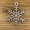 Rock 'n Rich Leuke vervanger van de traditionele kerstbal is deze rose gouden uitgesneden sneeuwvlok.