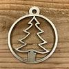 Rock 'n Rich Leuke vervanger van de traditionele kerstbal is deze gouden uitgesneden boom.