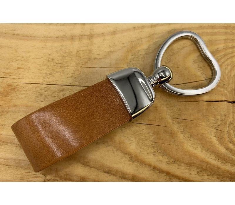 Cognac sleutelhanger met sleutelring in hartvorm en dubbele lus van Italiaans cognac leer.