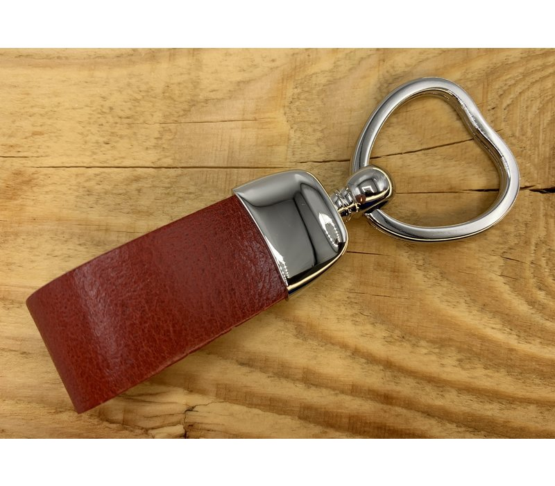 Rode sleutelhanger met sleutelring in hartvorm en dubbele lus van Italiaans cognac leer.