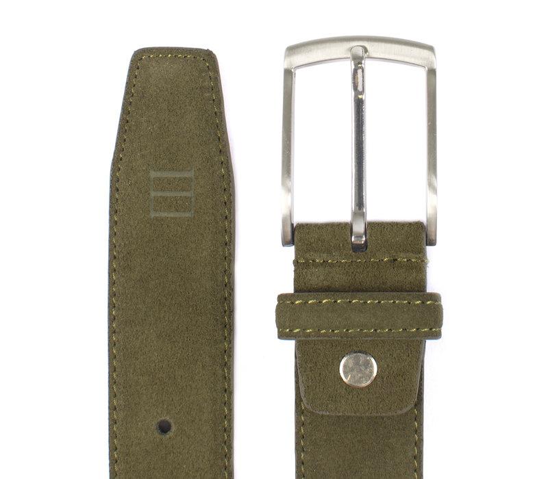 Army groene echt leren riem gemaakt van suede  en makkelijk aanpasbare maat d.m.v. een schroefje.