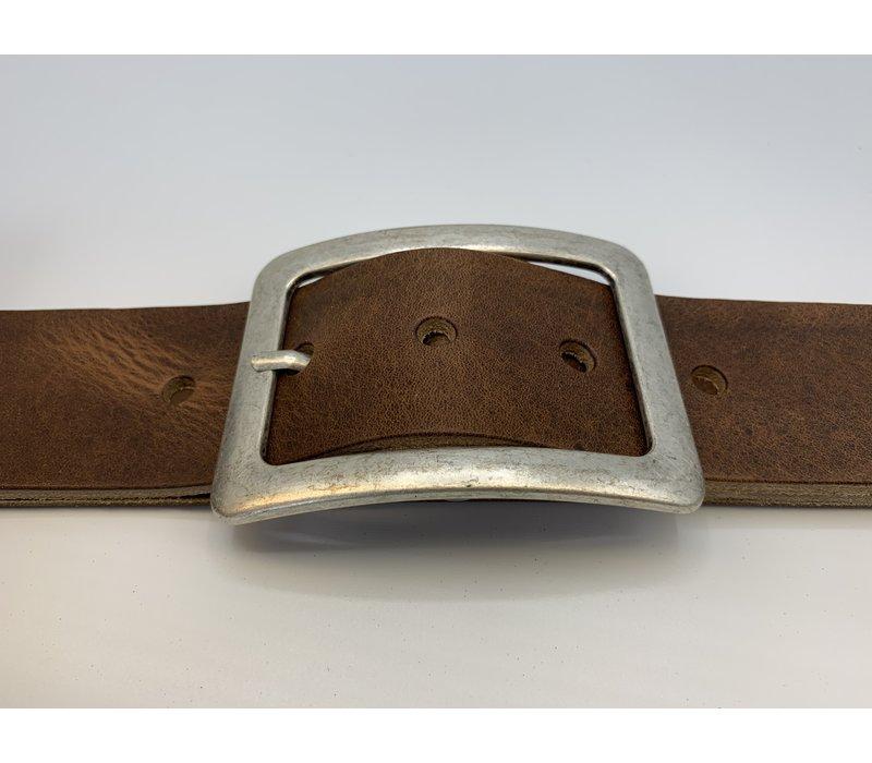 Italiaans Nerf lederen riem van 5cm breed met oud zilveren doorsteekgesp.