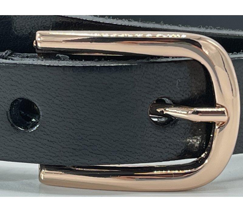 Stijvolle 20mm brede zwart Italiaans leren riem met gouden gesp.