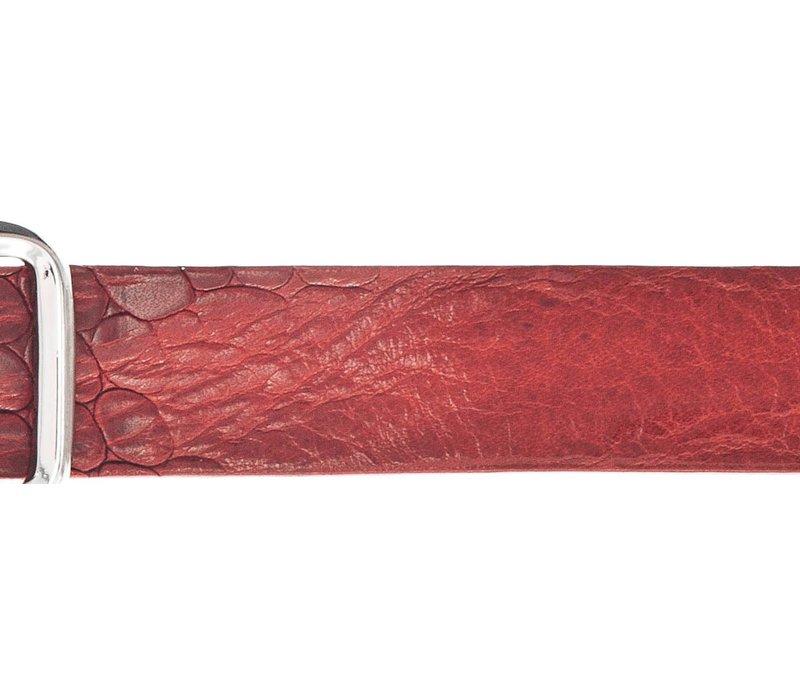 Smalle rode damesriem met krokoprint. superleuk als tailleriem of casual riem.