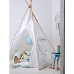 Hängematten und Zelte