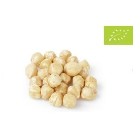 Organic blanched hazelnuts