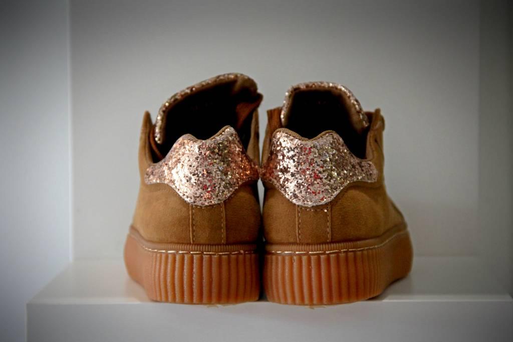 6c671da07bc Basket Platform Sneakers met Vetersluiting Bruin - Fashion Of M
