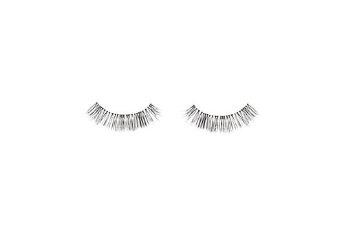 Makeup Revolution Natural Lashes Under Cover