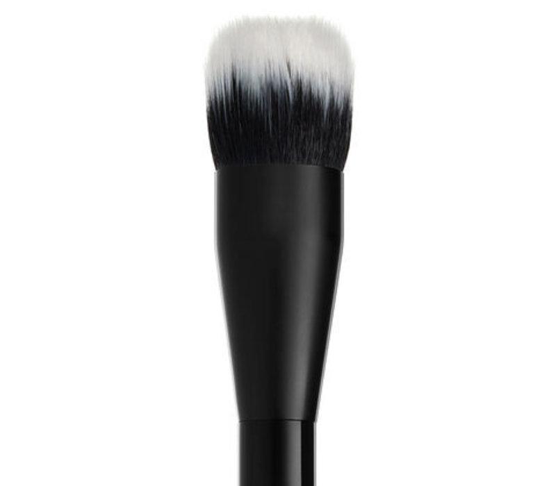NYX Professional Makeup Pro Dual Fiber Foundation Brush