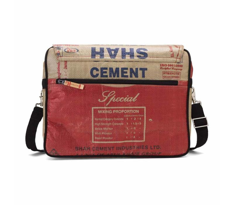 Used2b Koerierstas - Shah - Schoudertas Upcycled - Cement - 38 x 28 cm - Rood