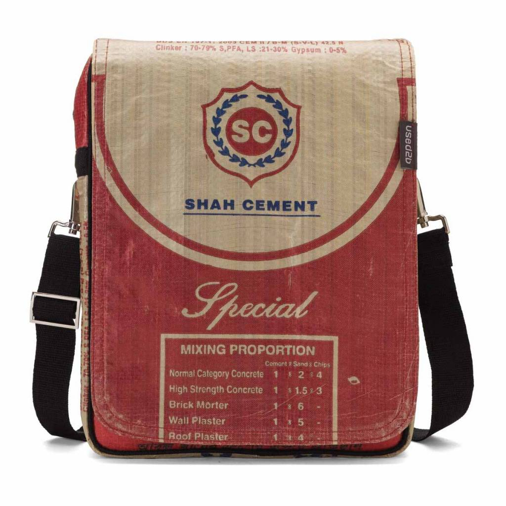Used2b Messenger M cement bags Shah red