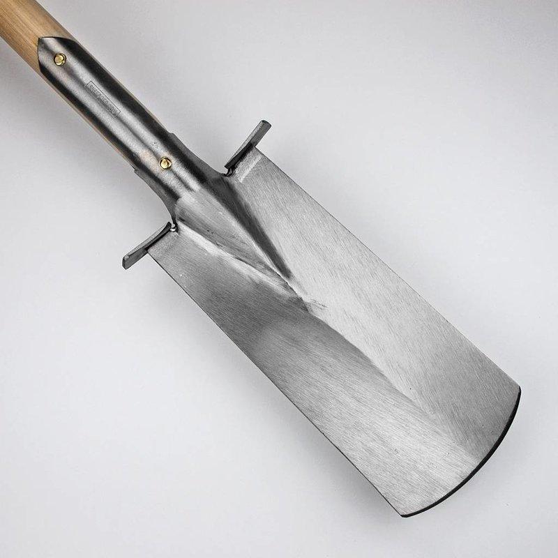 Sneeboer Smalle spade met steps D-Steel