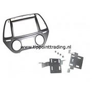 Hyundai I40 2011> dubbel din voor navigatie met metalen beugels zilver
