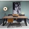 'Amsterdam' rechthoekige tafel met afgeschuinde kopse kanten schuine U-poot staal 10/2