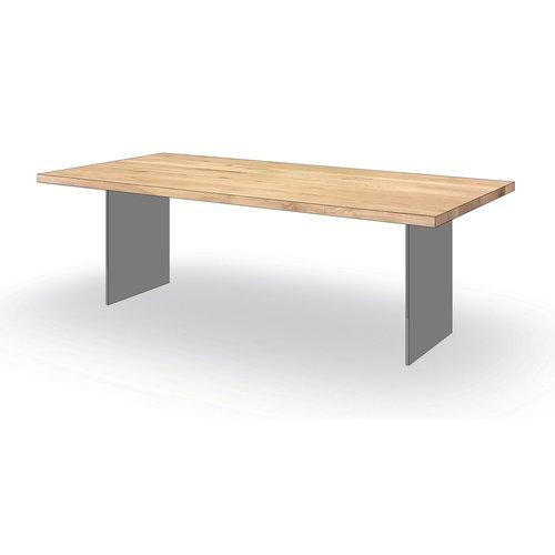 'Helsinki' rechthoekige eiken tafel met een wangenpoot uit staal