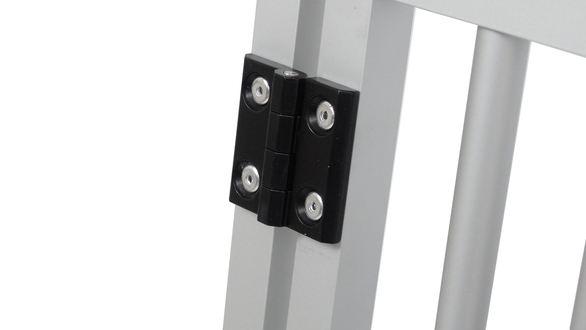 Hundos  Aluminium Deur in kozijn 48 cm. breed 64,5 cm. h