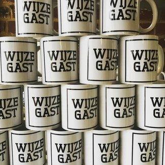 Urban Merch Tasse 'Wijze Gast'