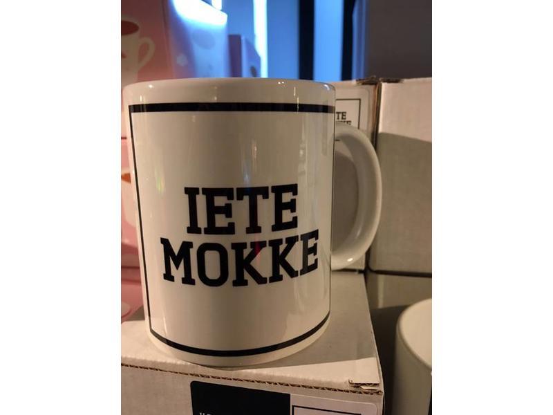Urban Merch Beker 'Iete Mokke'