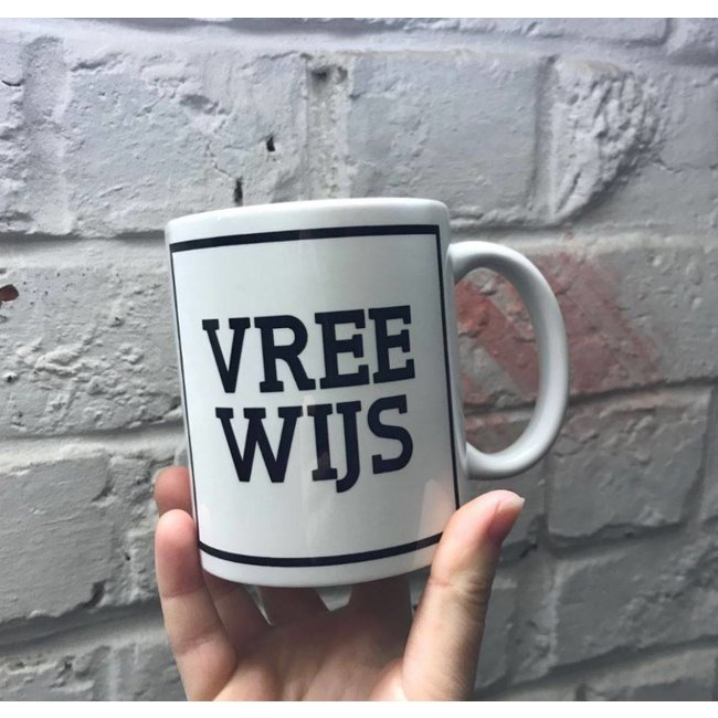 Urban Merch Tasse 'Vree Wijs'