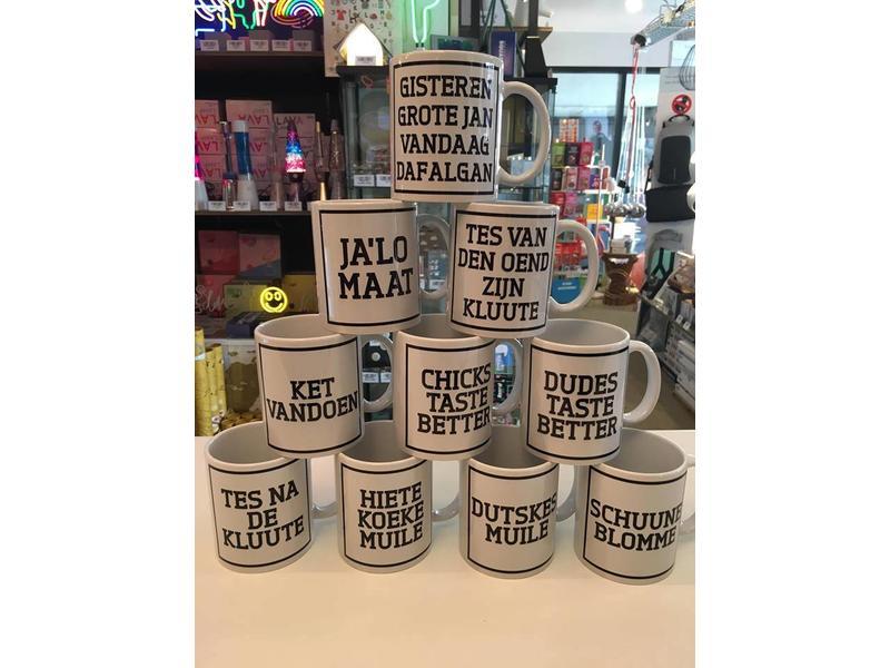 Urban Merch Tasse à Café  'Schuune Blomme'