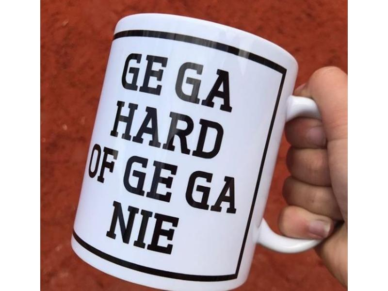 Urban Merch Beker 'Ge Ga Hard Of Ge Ga Nie'