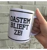 Urban Merch Tasse 'Oastemblieft ze!'