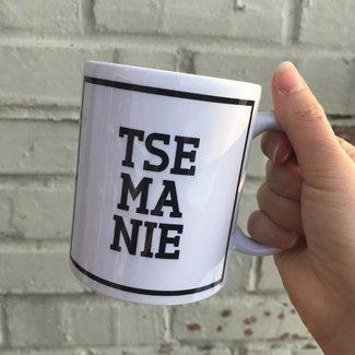 Urban Merch Tasse 'Tse Ma Nie'