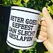 Urban Merch Tasse 'Besser gut gefeiert als schlecht geschlafen'