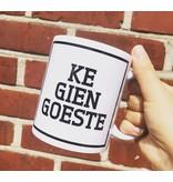 Urban Merch Tasse 'Ke Gien Goeste'