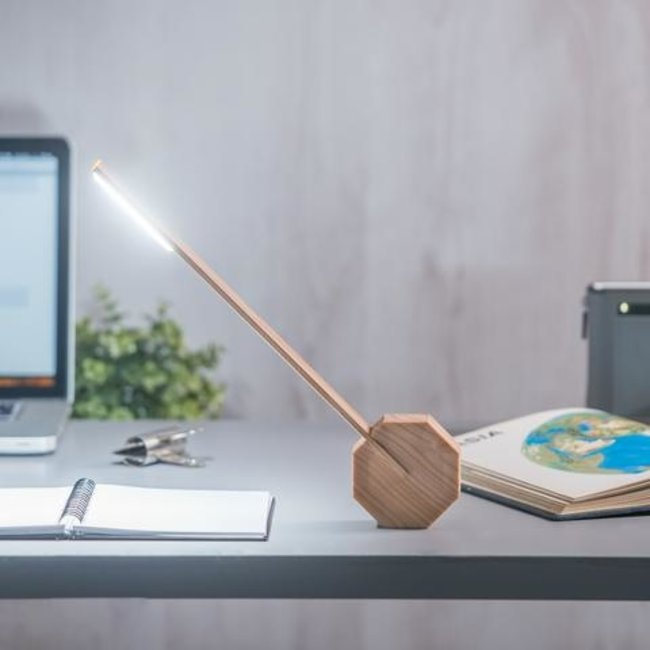 Gingko - Schreibtischlampe 'Octagon One' (Ahorn)