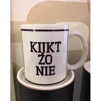 Urban Merch Mug 'Kijkt Zo Nie'