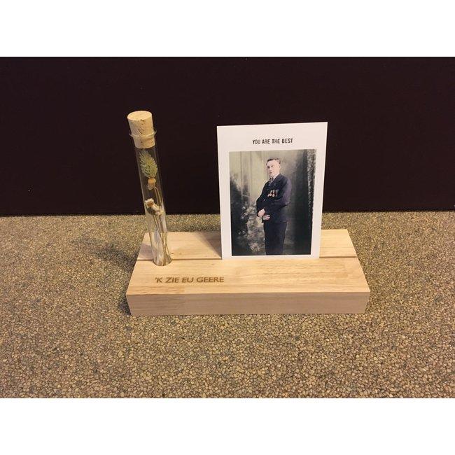 Urban Merch - Fotoregal mit Vase 'k Zie Eu Geere