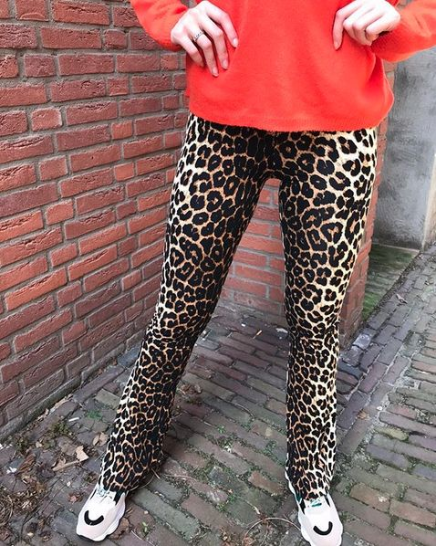 LEO FLARED LEGGING