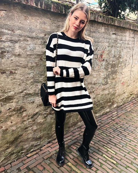 SWEATER DRESS BLACK & WHITE