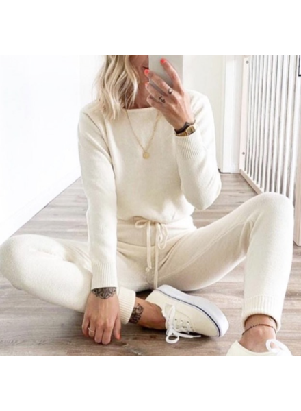 THE NEW COMFY JOGGERS OFF WHITE
