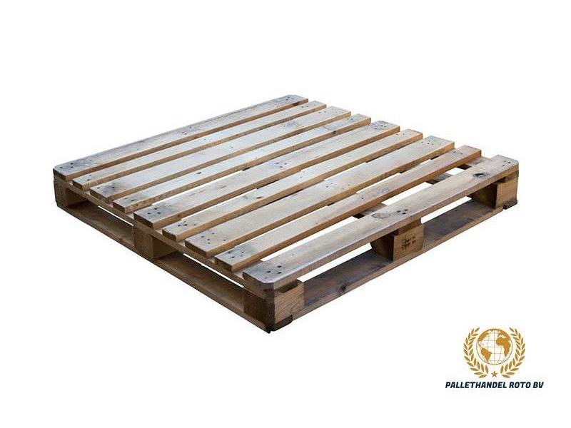 Roto-Pallets BV Blokpallet omlopend halfzwaar 110x110cm, gebruikt