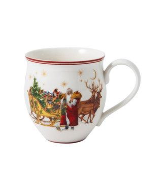 Villeroy & Boch Online Store VILLEROY & BOCH Toy's Delight Becher mit Henkel, Santa mit Schlitten, bunt/grün/rot, 440 ml