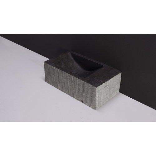 Fontein Forzalaqua Kalmar Hardsteen Gezoet Gefrijnd Zonder Kraangat Rechts 40x22x10 cm