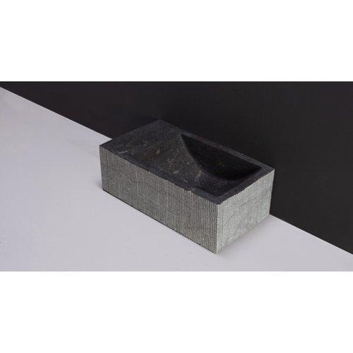 Fontein Forzalaqua Kalmar Hardsteen Gezoet Gefrijnd Met Kraangat Links 40x22x10 cm