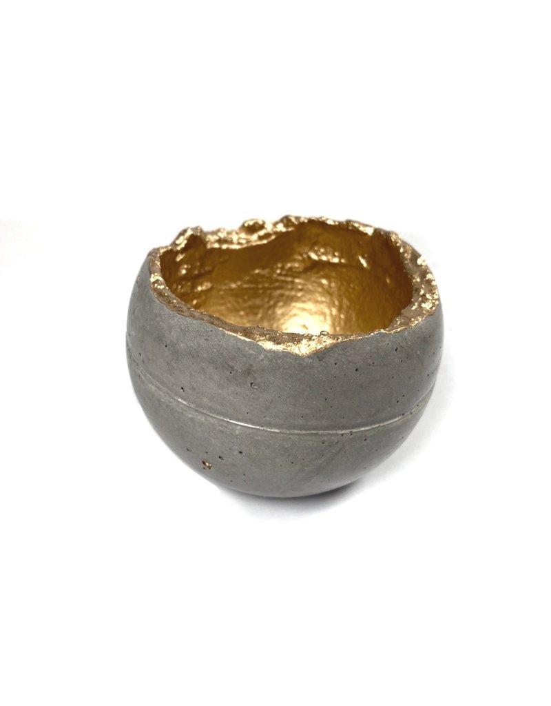 Kaiko Studio Wabi-Sabi Concrete Candleholder/Planter - Grey