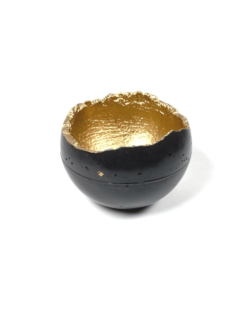 Kaiko Studio Medium Wabi-Sabi Concrete Candleholder/Planter - Charcoal